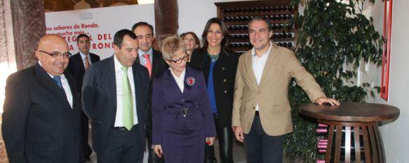 La consejera de Agricultura, Elena Víboras, inaugura el Centro Integral del Vino, El proyecto ha contado con una inversión superior a los 3,5 millones de euros, 06 Nov 2014 - 17:54