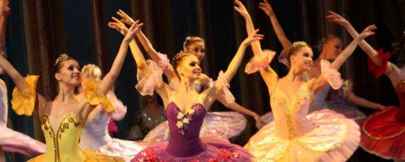 'La bella durmiente' llena el Teatro Vicente Espinel de magia y elegancia, Los bailarines hicieron las delicias de los cientos de rondeños que presenciaron el  espectáculo de ballet, 21 Nov 2014 - 18:44