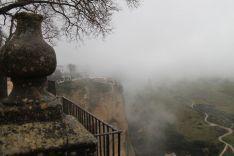 La niebla ha cubierto durante la jornada los cielos de la Serranía. // CharryTV