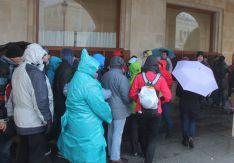 Los turistas han tenido que refugiarse del temporal. // CharryTV