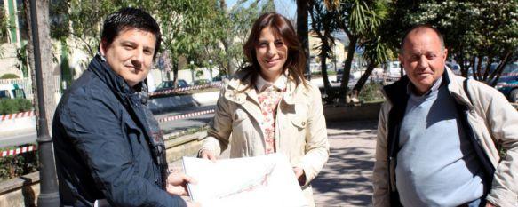 Comienzan los trabajos de remodelación de la última fase de la avenida de Málaga, Lo más destacado es la creación de una nueva zona peatonal, en una actuación financiada con 300.000 euros por la Diputación Provincial, 11 Mar 2015 - 19:04