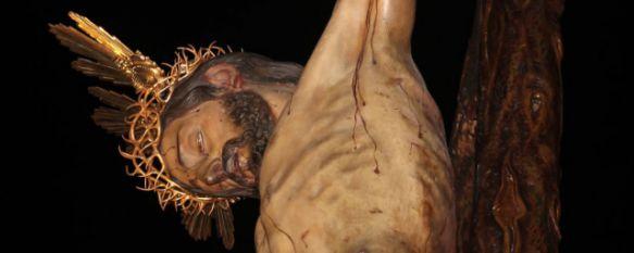 Majestuosidad y respeto en la madrugada del Miércoles Santo con El Silencio, El canto gregoriano se sumó al sonido de las cadenas por segundo año consecutivo, 02 Apr 2015 - 03:04