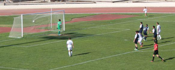 El CD Ronda despide la temporada en casa con una cómoda victoria ante el Guadix, Nereo consiguió un golazo de volea en la primera mitad y Jona sentenció en la recta final , 10 May 2015 - 20:29