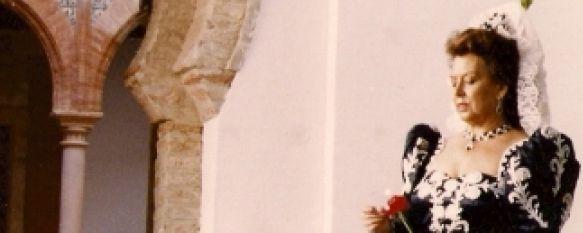 Pepa Borrego, toda una vida dedicada a la costura, Expone en el Museo del Vino numerosos trajes de Goyesca que ha confeccionado desde 1.961., 04 Nov 2010 - 19:47