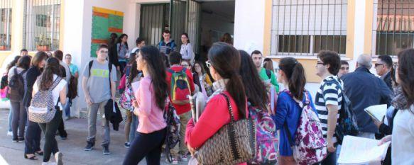 Un total de 284 alumnos de Ronda y la Serranía se presentan a Selectividad, Los exámenes han comenzado hoy en el IES Rodríguez Delgado, en una jornada sin incidencias, 16 Jun 2015 - 19:35
