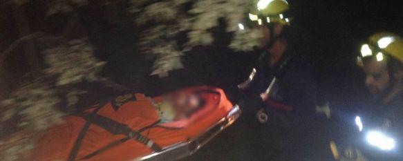 Rescatan a un menor de edad herido tras caer por un barranco en Cortes de la Frontera, El joven, de 17 años, está ingresado con pronóstico reservado en el Hospital General de la Serranía, 09 Oct 2015 - 14:18