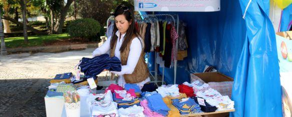 Ronda acoge la  I Feria Outlet con la participación de diez empresas locales , En el paseo de Blas Infante podrán adquirirse durante el fin de semana productos de otras temporadas o rebajados   , 20 Nov 2015 - 18:53