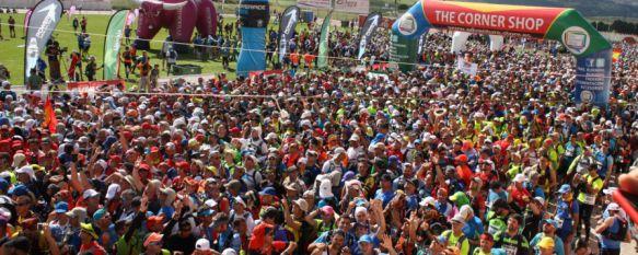 Superación, esfuerzo y espíritu legionario en la salida de los 101 Kilómetros en 24 horas, La organización ha entregado reconocimientos a deportistas como Súper Paco, de 77 años, o José Carlos Badillo, que ha participado en todas las ediciones, 14 May 2016 - 13:03