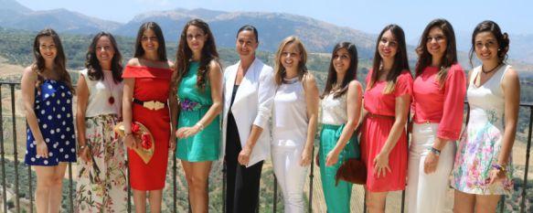 Presentan a la presidenta y a las Damas Goyescas de la feria 2016, La diseñadora Ana Gómez estará acompañada por ocho jóvenes que representarán a la ciudad en los festejos de Pedro Romero , 01 Jul 2016 - 16:35