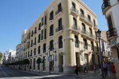 El Hotel Catalonia Ronda se ubicará en el edificio que alberga la oficina principal de Unicaja // CharryTV