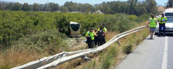 Varios rondeños resultan heridos leves en el accidente mortal registrado en la A-357, Viajaban en el bus que cubría la línea Ronda - Málaga que colisionó frontalmente con un turismo , 05 Aug 2016 - 17:28