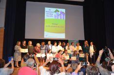 Foto de familia de las galardonadas en el Día Internacional de la Mujer. // CharryTV