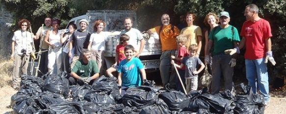 Los voluntarios sacan más de una tonelada de basura del Arroyo de Sijuela, La delegación de Medio Ambiente persigue el correcto sellado del vertedero municipal de la Heredad de Ayala, 17 Oct 2011 - 16:53