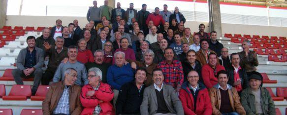 Casi un centenar de exjugadores veteranos participaron en una jornada de convivencia , El evento, organizado por Antonio Molina, contó con la presencia entre otros de Ramírez, Trigos o Fernando Peralta , 15 Dec 2016 - 16:27