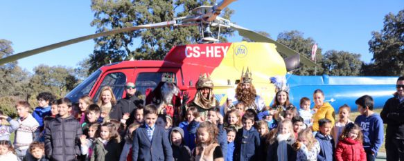 Gran expectación ante la llegada de los Reyes Magos a Ronda en helicóptero, La cabalgata partirá a las 19.00 horas desde la Avenida de Málaga, 05 Jan 2017 - 17:40