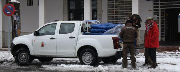 Las brigadas operativas siguen trabajando en Ronda, una vez finalizada la alerta naranja , Con el inicio de la jornada se han llegado a atender hasta 300 incidencias relacionadas con problemas de circulación de vehículos, 19 Jan 2017 - 16:21