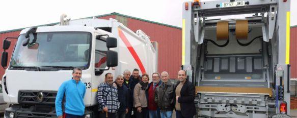 El Ayuntamiento adquiere dos nuevos camiones para la flota de SOLIARSA, El Partido Popular sostiene que la compra es fruto de la gestión llevada a cabo durante su mandato, 27 Jan 2017 - 18:54
