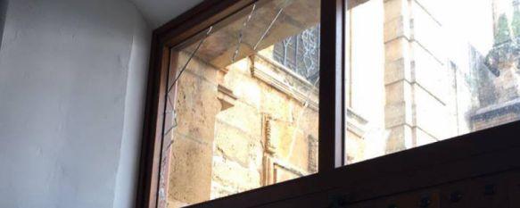 Ingresan en prisión los dos autores del robo en la iglesia de Los Descalzos , La Policía Nacional ha recuperado todos los efectos sustraídos como rosarios, cruces o el ordenador portátil del párroco , 16 Feb 2017 - 02:32