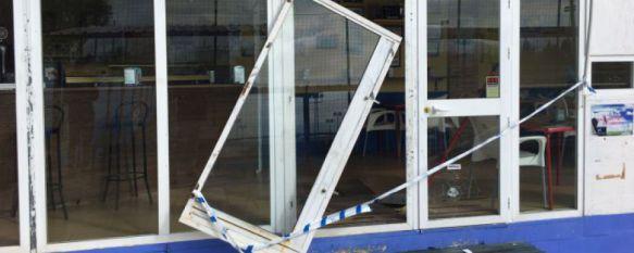 Un detenido por los robos cometidos en la piscina cubierta, la ITV y el polideportivo El Fuerte, El presunto autor, de 39 años de edad, fue interceptado por la Policía Nacional con objetos procedentes de las tres instalaciones y de otros dos inmuebles, 03 Mar 2017 - 18:28