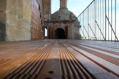 La plataforma cuenta con una superficie de madera de 200 metros cuadrados // CharryTV