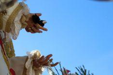 María Santísima de la Paloma portaba un pañuelo negro en señal de luto por un costalero. // CharryTV