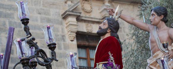 El Huerto vuelve a dar muestras de su grandeza y distinción en el Lunes Santo rondeño, La imponente voz de Ainhoa Pérez ha vuelto a emocionar en la salida de la Hermandad, 10 Apr 2017 - 18:06