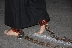 Cadenas en señal de penitencia  // CharryTV