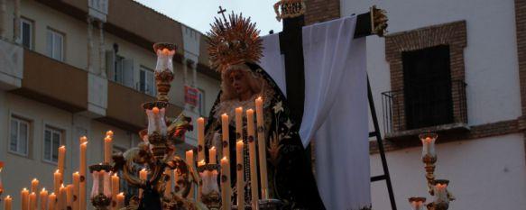 Culmina el Viernes Santo con el desamparo y el llanto de María Santísima a los pies de la cruz, La Hermandad de La Soledad ha vuelto a centrar las miradas del mundo cofrade en la última estación penitencial de la jornada, 14 Apr 2017 - 23:16