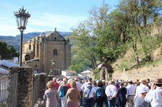 Cientos de fieles quisieron acompañar a la Reina de la Serranía. // CharryTV