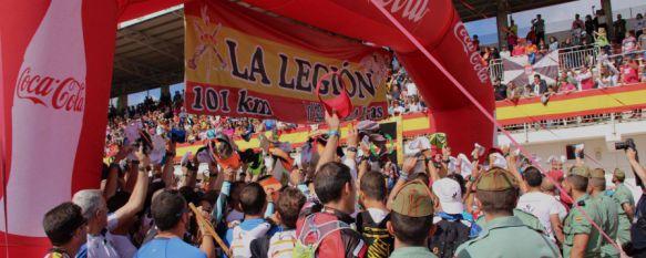 Ilusión y espíritu legionario en la salida de la XX edición de los 101 Kilómetros de Ronda, 7.500 deportistas ya recorren en marcha individual, por equipos y bicicleta de montaña la Serranía de Ronda , 13 May 2017 - 12:59