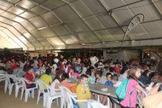 Diferentes centros educativos han participado en el desayuno.  // CharryTV