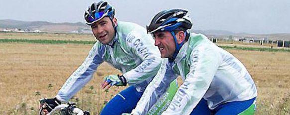 Paco Gamero, a la derecha, junto a su compañero y amigo David Gallego // CharryTV