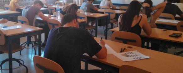 Un total de 240 alumnos de Ronda y la Serranía se enfrentan desde hoy a Selectividad, Según el presidente del tribunal en Ronda, Francisco Cantalejo,…, 12 Jun 2017 - 16:44