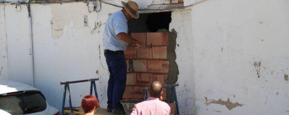 Desalojan una vivienda abandonada y cierran su entrada en la barriada de Padre Jesús, Desde el Consistorio y la Policía Local esperan actuar los…, 21 Jul 2017 - 19:39