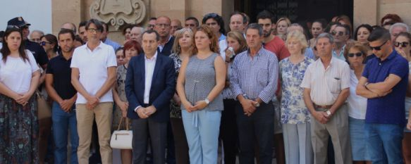 Emotivo minuto de silencio en el Ayuntamiento de Ronda para recordar a los fallecidos en India