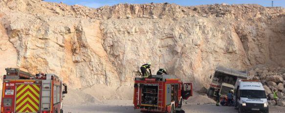 Herido un camionero tras caer por un talud de más de 10 metros cuando cargaba piedras