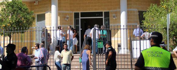 Ronda muestra su apoyo a las familias y seres queridos de Vicente, Nieves y Pepa, El ministro del Interior, Juan Ignacio Zoido, se ha desplazado…, 11 Aug 2017 - 13:51