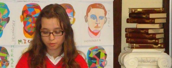 Los alumnos del Colegio Juan de La Rosa recuerdan a Miguel Hernández, Coincidiendo con el centenario de su nacimiento, han recitado poesías del alicantino durante toda la mañana., 05 Nov 2010 - 15:13