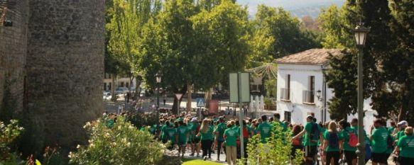 Cientos de personas conforman la 'marea verde' en la VI edición de la Marcha por el Alzheimer , El recorrido, organizado por AROAL, ofreció un itinerario por algunos de los espacios históricos de la ciudad, 25 Sep 2017 - 12:55