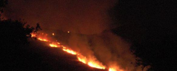 Las llamas llegaron a verse desde distintos puntos de la Serranía. // CharryTV