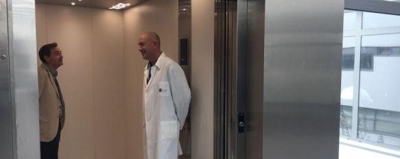 El ascensor montacamas del Hospital Comarcal, en marcha tras las quejas de los pacientes, La puesta en marcha de este aparato elevador ha supuesto una inversión de 72.000 euros , 03 Nov 2017 - 17:28