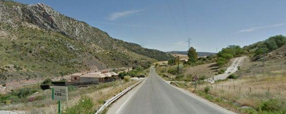 Fallece un motorista en la carretera de Benaoján, junto al desvío de la Cueva del Gato, El hombre, que perdió el control de su vehículo, tenía 32…, 04 Jan 2018 - 17:29