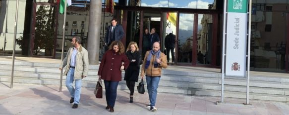 La alcaldesa de Ronda defiende su inocencia en su declaración por el caso Boda , Teresa Valdenebro afirma que desconocía el cambio de fecha en el acta del enlace matrimonial de la hija de su excompañero José María Jiménez , 26 Jan 2018 - 13:16