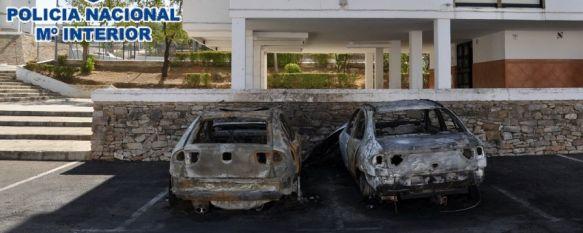 Detenido tras encargar a unos conocidos que quemaran el coche de la pareja de su exnovia, El fuego calcinó dos vehículos y dañó la persiana de una vivienda , 08 Feb 2018 - 13:46