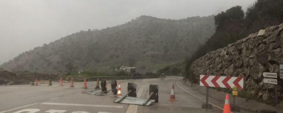 Ciudadanos denuncia la pasividad del Ayuntamiento tras el corte de la carretera A-374, La principal vía de comunicación con Sevilla continúa cortada por el desprendimiento de rocas desde el pasado día 11, 28 Mar 2018 - 16:34