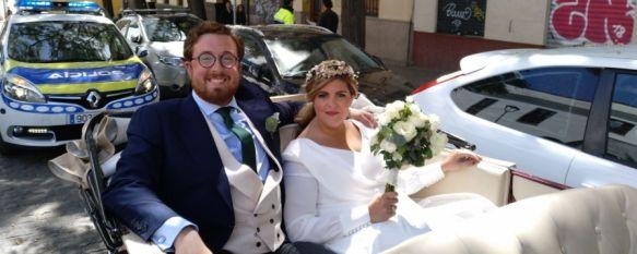 El periplo de una pareja rondeña en su boda al alquilar un coche histórico, Los novios contrataron un vehículo cuya licencia había caducado,…, 02 May 2018 - 19:54