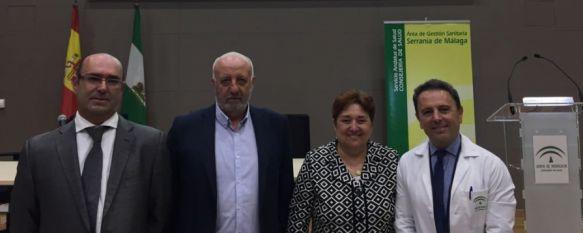 Manuel Bayona sustituye a José Antonio Ruiz como gerente del Área Sanitaria de la Serranía, Comenzó desarrollando labores asistenciales en el Servicio…, 14 Jun 2018 - 17:32