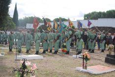 Guiones y banderines, durante el Toque de Oración por parte del cornetín // CharryTV