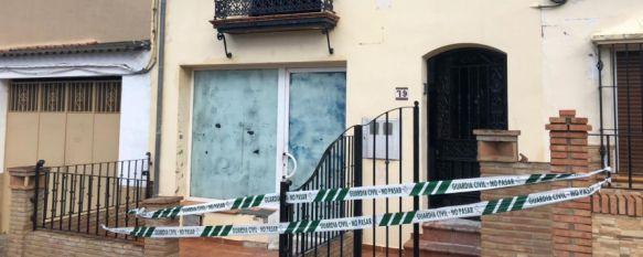 Arriate decreta tres días de luto por la muerte de un menor y su padre en un incendio, Las tres personas rescatadas de la vivienda donde se produjo el fuego ya han sido dadas de alta de Urgencias en el Hospital de la Serranía, 05 Nov 2018 - 10:56