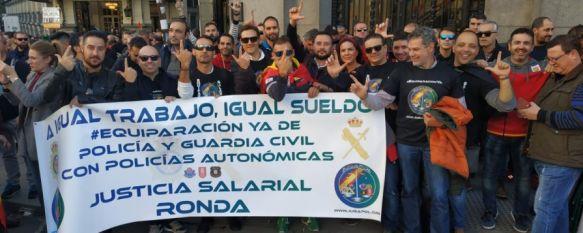 Policías nacionales y guardias civiles de Ronda se unen en Madrid a la lucha de JUSAPOL, En torno a una decena de efectivos siguieron la votación de…, 14 Nov 2018 - 19:39